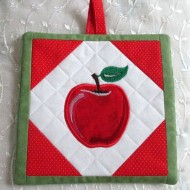 apple-potholder-1
